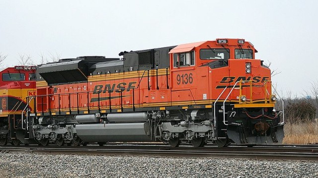 A Burlington Northern Santa Fe locomotive. Photo by Terry Cantrell via Wikimedia Commons
