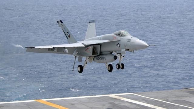 An F/A-18E Super Hornet lands on the USS Carl Vinson. Navy photo