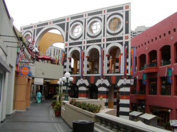 Horton Plaza in downtown San Diego. Photo via Wikimedia Commons