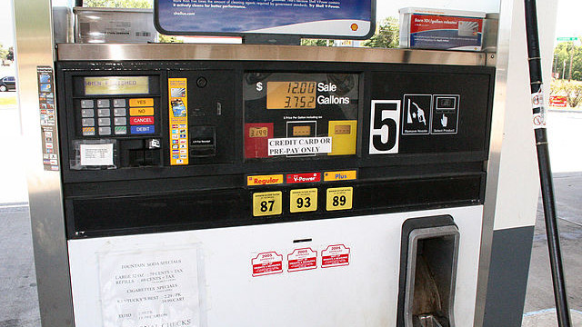 Gas pump in Indiana. Photo from Wikimedia Commons.