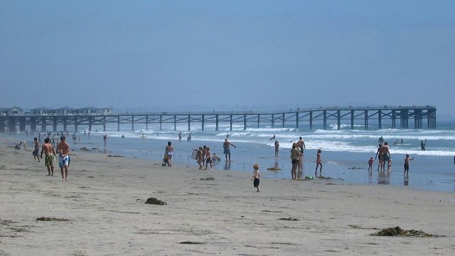 The beach north of the Crystal Pier. Photo via Wikimedia Commons