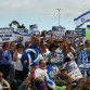 The crowd at the Jewish Federation rally in support of Israel. Photo by Chris Jennewein