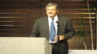 KPBS senior news editor Mark Sauer at San Diego SPJ awards dinner. Photo via YouTube