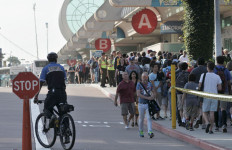 Thousands of attendees pack the sidewalks outside of the San Diego Convention Center at Comic-Con 2014. Photo by Chris Stone