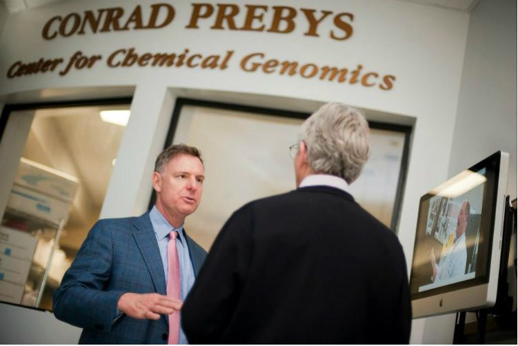 Rep. Scott Peters at the Sanford-Burnham Medical Research Institute. Photo courtesy Peters' office
