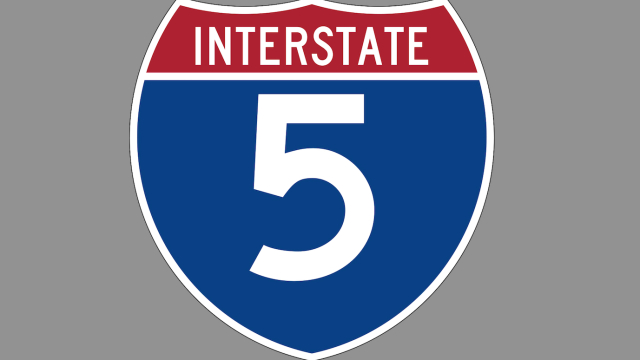5 Freeway sign