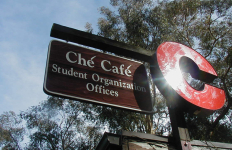 Sign outside Che Cafe. Photo courtesy Wikimedia Commons.