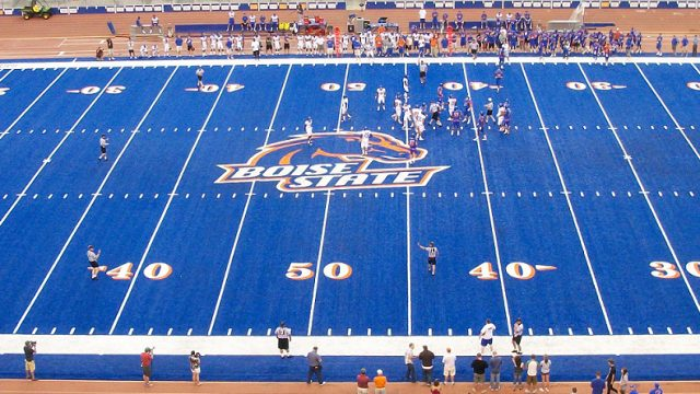 Albertsons Stadium which is home to the Boise St. Broncos has a unique blue turf that works to the Broncos advantage. Courtesy of Wikimedia Commons.
