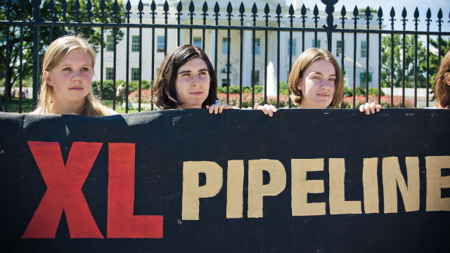 A demonstration against the pipeline outside the White House. Photo via Wikimedia Commons