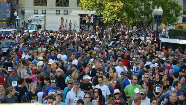 File photo of crowds at the Run for the Hungry in downtown San Diego. Photo courtesy event organizers