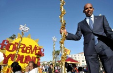 2014 Boston Marathon winner Meb Keflezighi was grand marshal for Friday's Big Bay Balloon Parade.