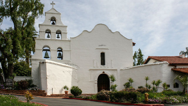 Mission San Diego de Alcala. Photo by Bernard Gagnon via Wikimedia Commons