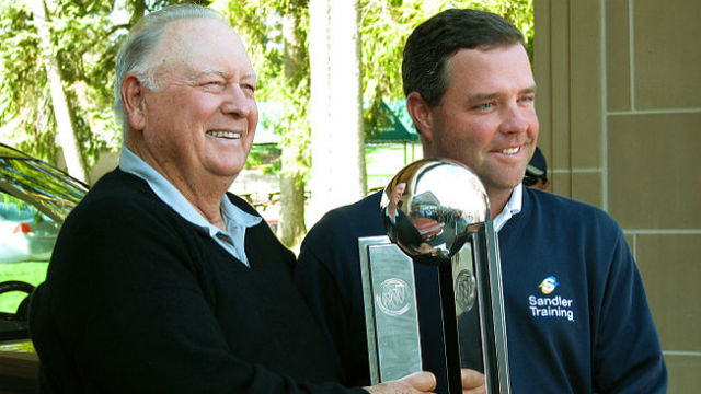 Billy Casper (left) with Brian Bateman at the 2008 Buick Open. Photo by Dave Hogg via Wikimedia Commons