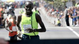Lawi Lalang of Kenya (by way of Arizona) won the elite men's race in 13:32, well off the course (and world) record of 13:00. Chris Stone photo