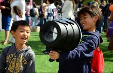 Children at the 2014 San Diego Festival of Science and Engineering. Courtesy of the festival