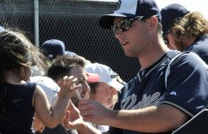 Padre players signed autographs for fans after morning workout. Photo by Chris Stone