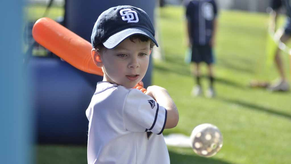 32832e5ae Catch the Rising Stars  Padres Fanfest Fuels Hopes for Postseason ...