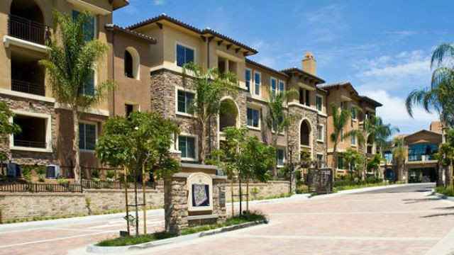 Entrance To The Aquatera Apartments In Mission Valley. The San Diego ...