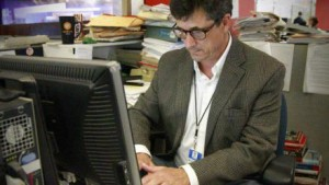 Jeff McDonald at work at U-T San Diego. Image via San Diego SPJ