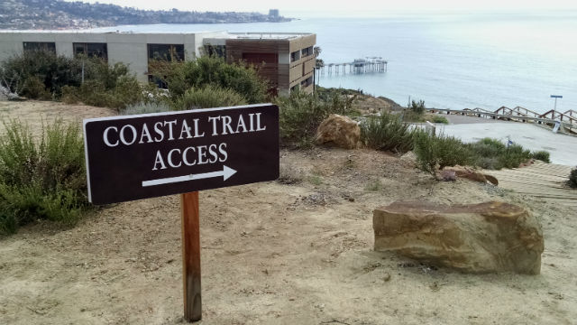 Access to the Coastal Meander Trail off La Jolla Shores Drive. Photo by Chris Jennewein