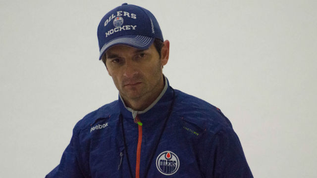 Dallas Eakins, former coach of the Edmonton Oilers. Photo by Connor Mah via Wikimedia Commons
