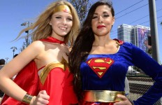 """""""Super Girl"""" Angelena Nelson and """"Wonder Woman Bethany Brzezinski from San Diego pose for fans. Chris Stone photo"""