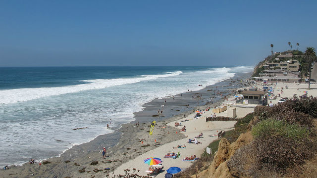 Moonlight Beach in Encinitas. Photo by Invertzoo via Wikimedia Commons