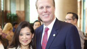 Restaurant owner Susan Lew and Mayor Kevin Faulconer. Photo via upacsd.com