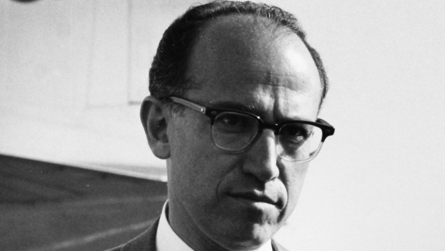 a biography of jonas salk a american medical researcher that discovered and developed the first vacc Jonas salk jonas edward salk was an american medical researcher and virologist he discovered and developed the first successful inactivated polio vaccine.