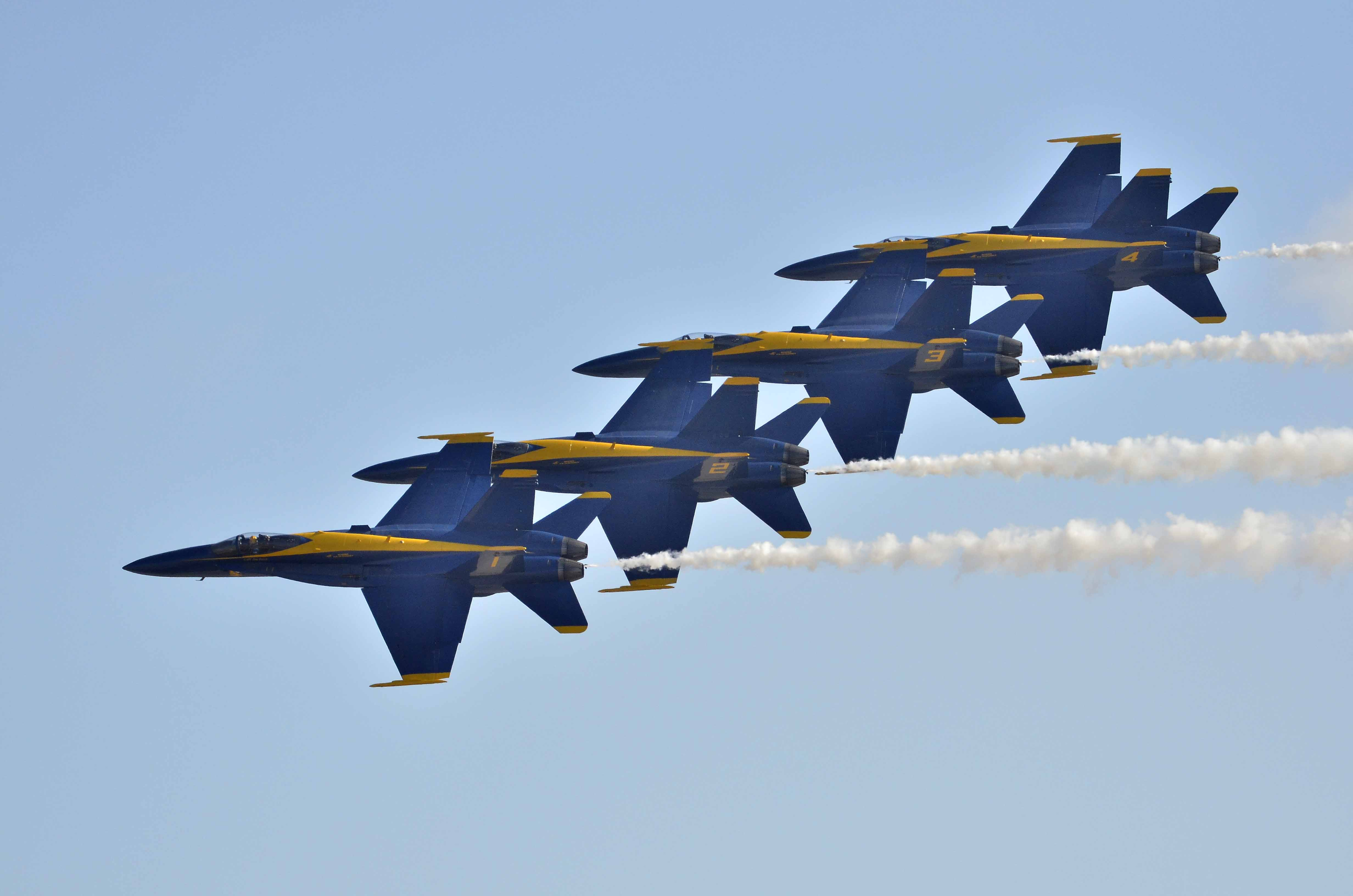 Navy 39 s blue angels return to flight after deadly crash in for Air show 2015