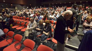 Eventually 800 people would pack Mandeville Auditorium at UCSD for Piketty talk. Photo by Ken Stone
