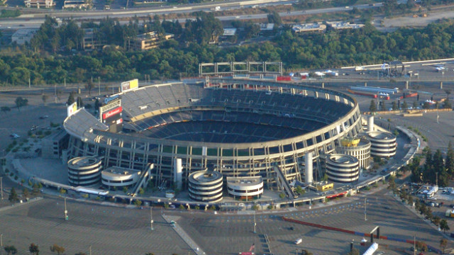 Qualcomm Stadium. Photo courtesy of Minerva Vazquez, Wikimedia Commons.
