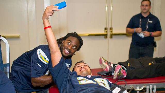 Chargers cornerback Jahleel Addae with donor at last year's Chargers blood drive.