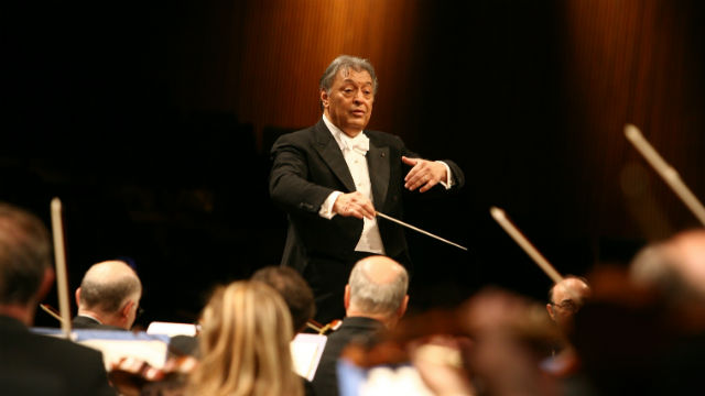 Zubin Mehta conducts the Israel Philharmonic Orchestra. Photo by Marco Brescia