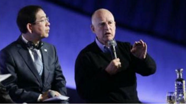Gov. Jerry Brown (right) with Seoul Mayor Park Won Soon. Courtesy of the governor's office