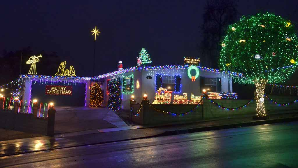 holiday hill lights on stadler street in la mesa photo by chris stone