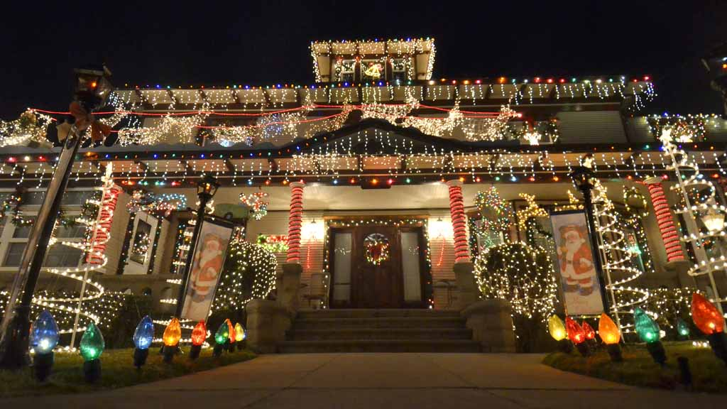the forward house in bankers hill san diego photo by chris stone - Best Christmas Lights In San Diego