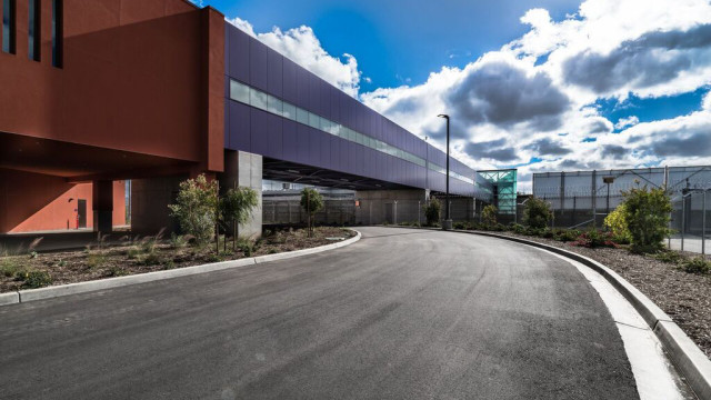 The completed pedestrian skybridge to the Tijuana airport.