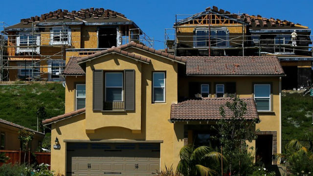 New homes under construction in Carlsbad. REUTERS / Mike Blake