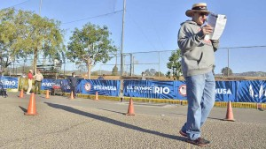 Tracy Sundlun announced race for 6 hours at 2016 men's Olympic Trials 50K race walk in Santee. Photo by Ken Stone