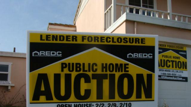 A home in California under foreclosure. Photo via Wikimedia Commons