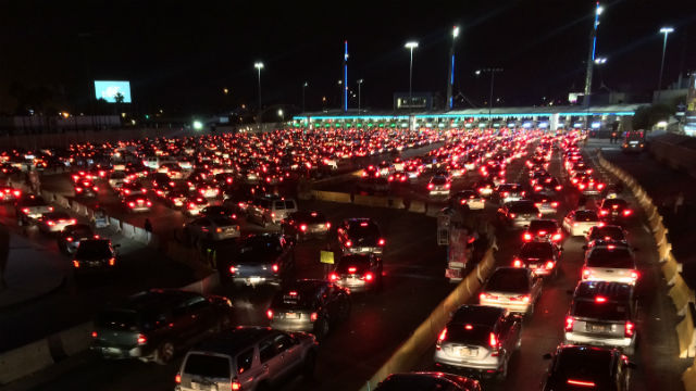 The San Ysidro border crossing at night. Photo by Khari Johnson