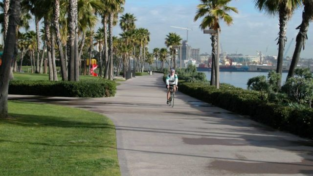 A completed portion of the Bayshore Bikeway in Coronado near the Ferry Landing. Courtesy SANDAG