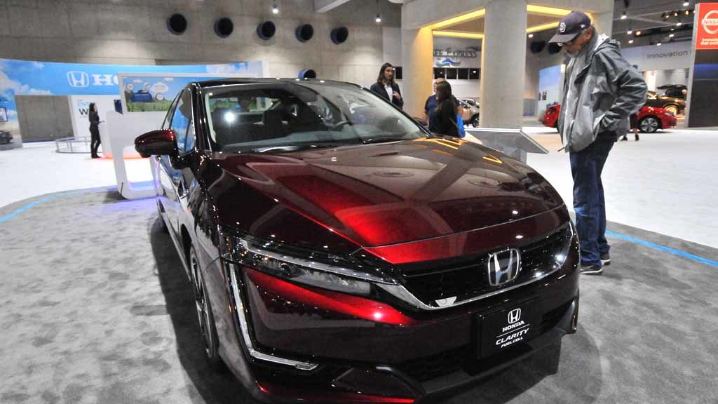 Honda Clarity Fuel Cell. Photo by Chris Stone