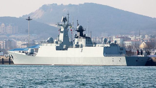 The Chinese Peoples Liberation Army Navy guided missile frigate Daqing in 2015. Photo via Wikimedia Commons