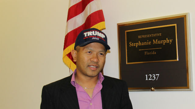 De Le outside the office of Sen. Stephanie Murphy, who is also of Vietnamese descent. Photo by Photo by Rosalynn Carmen