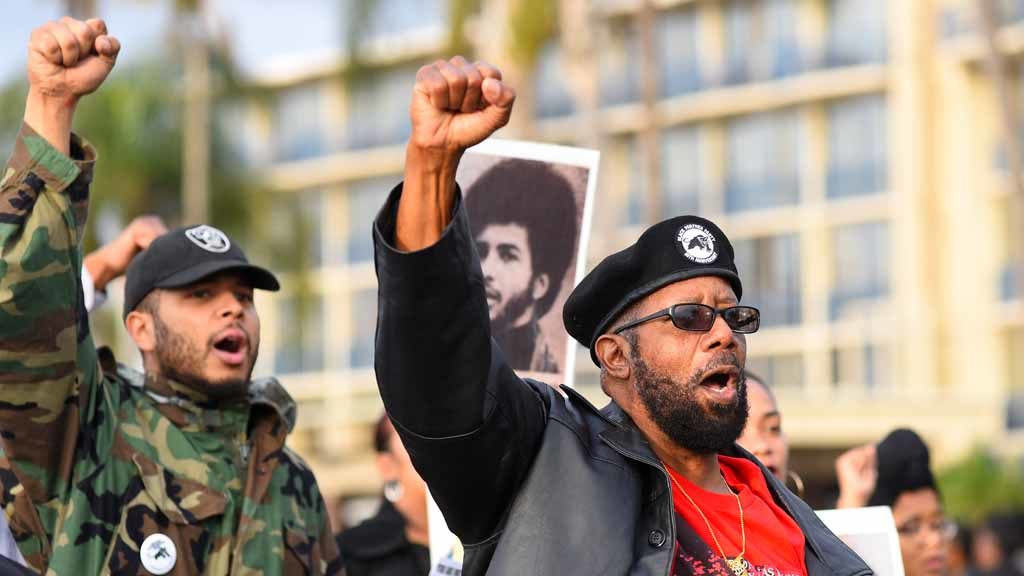 Black Panthers Raise Fists But Mlk Parade Low Key In San Diego