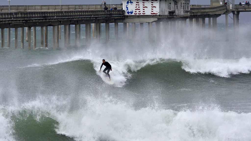 Ocean Beach Pier Ανοίγει Ξανά Μετά Από Κιγκλίδωμα Επισκευαστεί