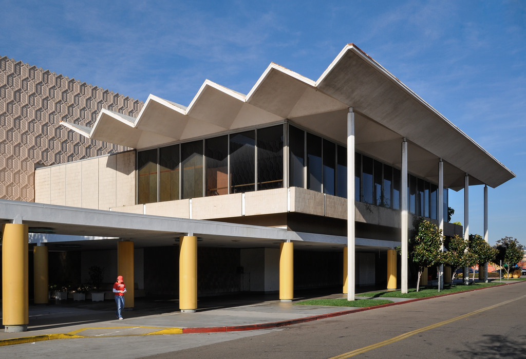 As Mission Valley Macy S Closes For Good No New Tenant