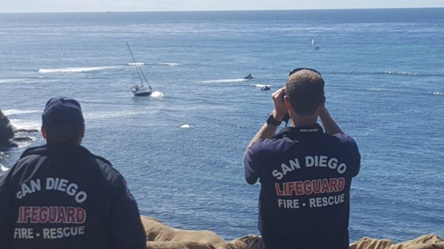 The distressed sailboat off Sunset Cliffs. Courtesy San Diego Fire-Rescue